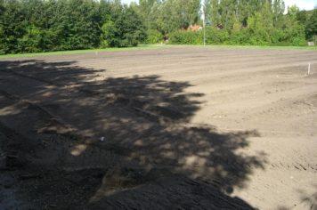 Træfældning Gørlev, Sjælland, jord fordelt ud på et areal